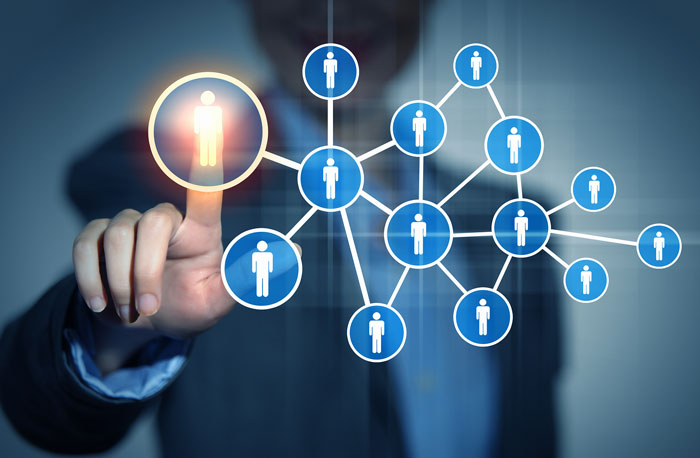 Networking: como organizar uma rede de contatos
