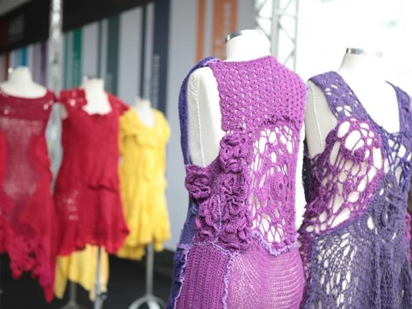 desfile-roupas-colchas-perola-byton